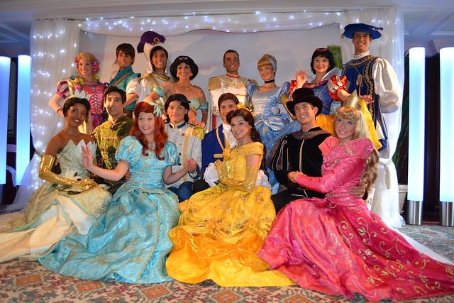 how to meet disney princesses at disneyland