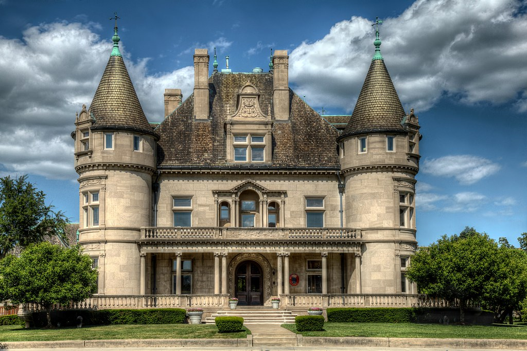 hecker smiley mansion 5510 woodward ave detroit michig