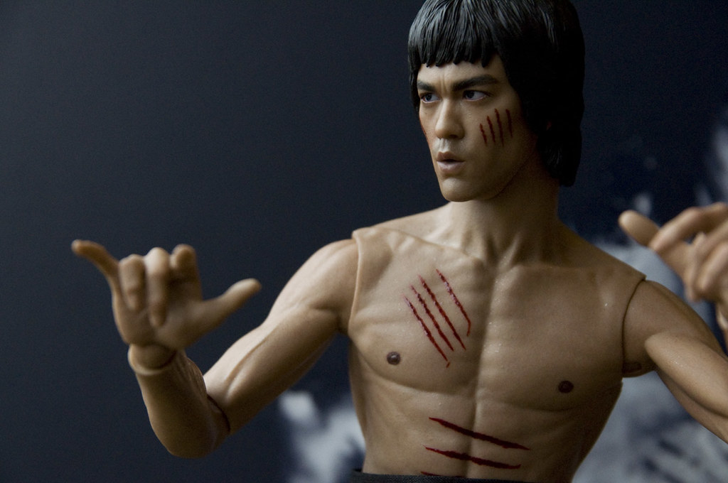 unpacking hot toys 9 gt bruce leeenter the dragon flickr