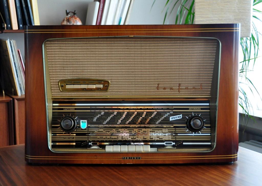 Tonfunk Tonjuwel W346  Rare German Tube Radio Of The -8146