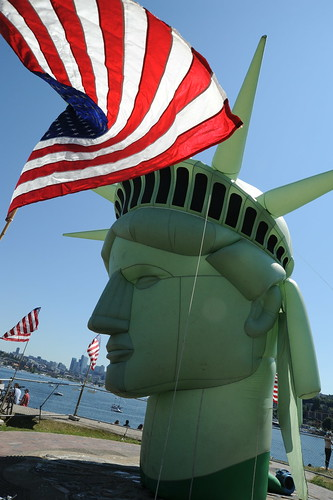 Enjoy a Happy 4th of July, The United States of America - Independence Day - Head of Lady Liberty, American Flag, Gas Works Park, Seattle, Washington, USA | by Wonderlane