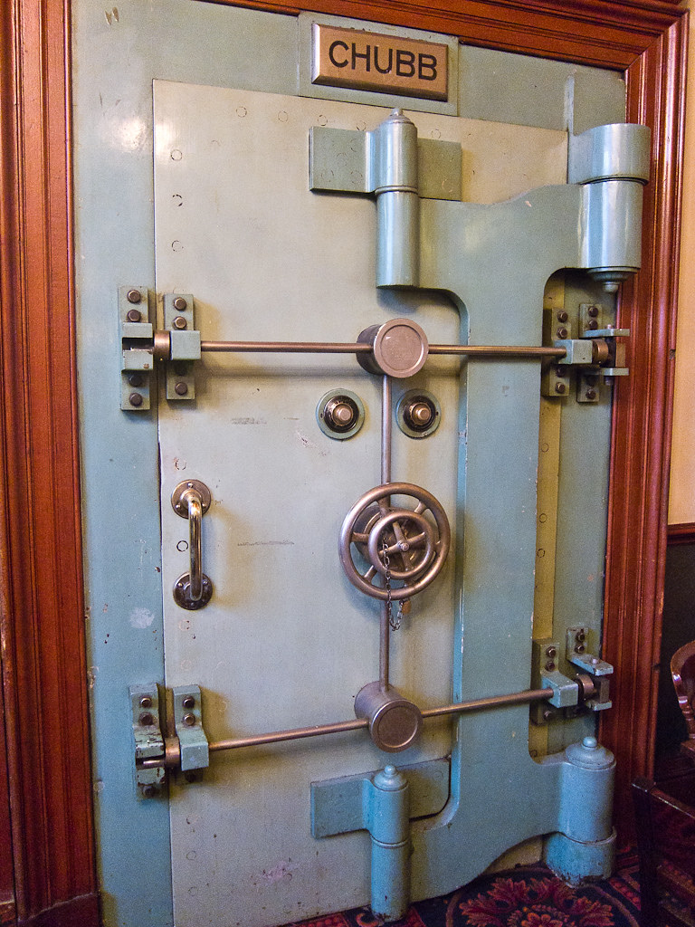Used Vault Doors : Chubb safe door the edinburgh wetherspoons used to be a