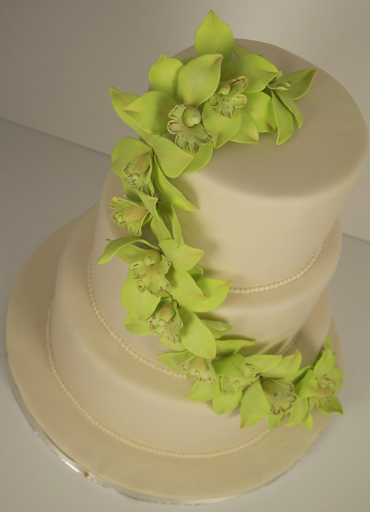 pictures of lime green wedding cakes w9069 green orchid wedding cake toronto w9069 a 3 tier 18409
