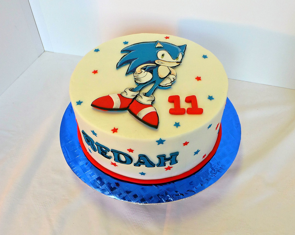 Super Sonic Themed Birthday Cake With Hand Cut Fondant