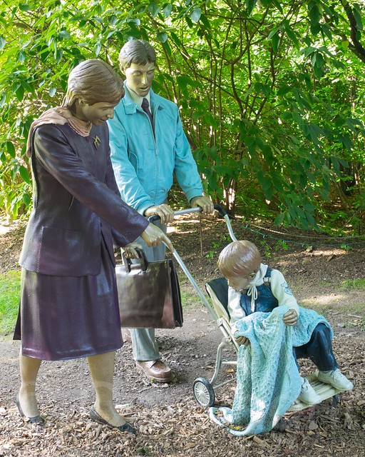 Changing Times 1996 Sculpture By Seward Johnson Grounds