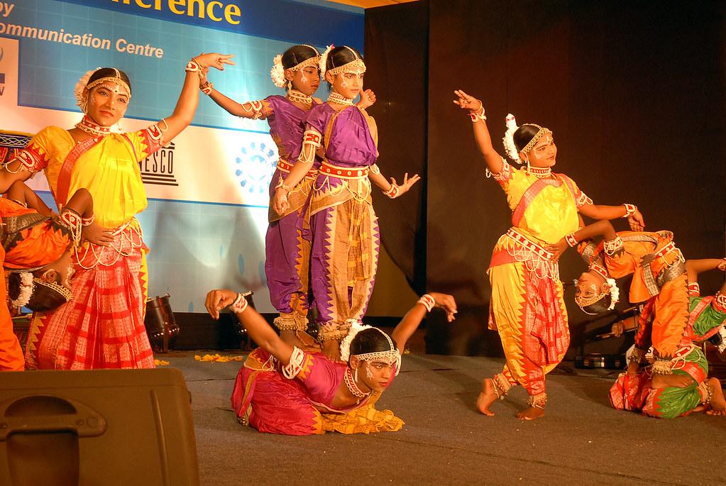 Girls of the taj mahal 2 s1 - 1 part 9