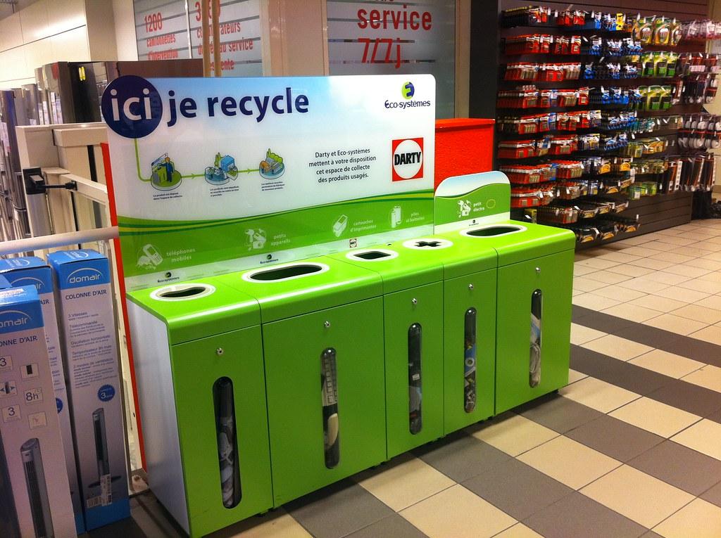 recyclage darty la d fense 92 containers de recyclage flickr. Black Bedroom Furniture Sets. Home Design Ideas