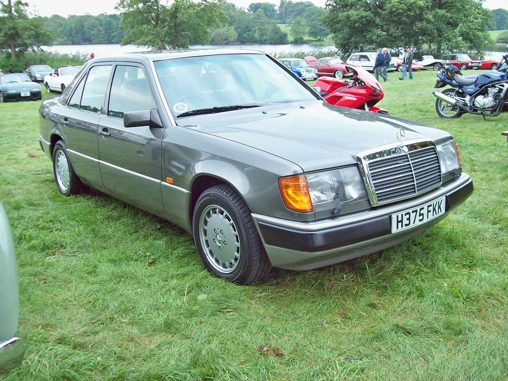 361 Mercedes 260e  1987