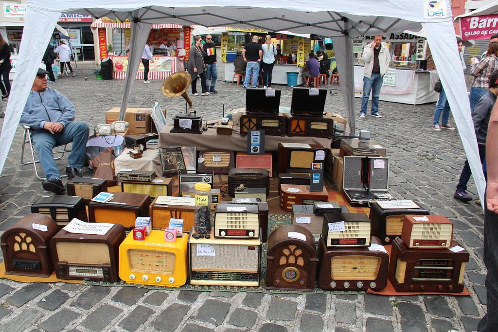 Aparador Preto E Branco ~ Feira de artesanato no centro histórico também tem radios u2026 Flickr
