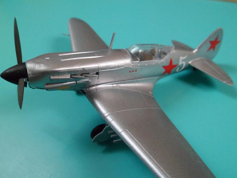 Ouvre-boîte Messerschmitt Bf 109 G-2 Trop [Hobby boss 1/72] 9428446689_4ae5edc6b6_c