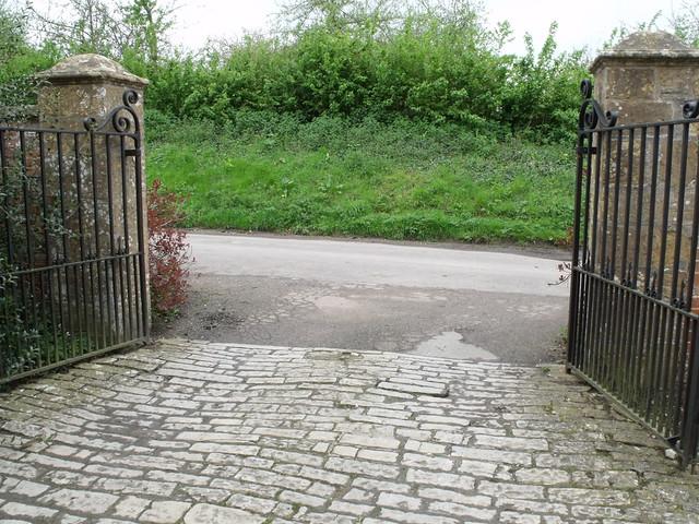 Tintinhull House - gates | Flickr - Photo Sharing!