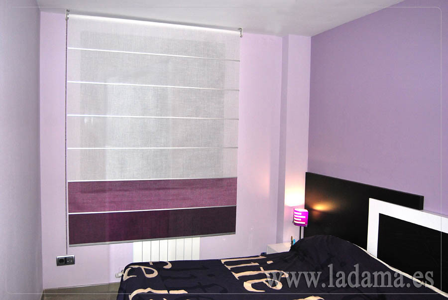 Estor enrollable lila y morado en dormitorio moderno flickr for Cortinas y estores modernos