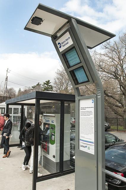 Solar Kiosk At Metro North Station Mta Is Piloting New