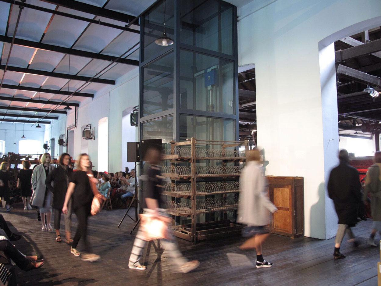 museo la encartada boinas_Desfiles Ifeelnut, MANDERLAY y A Z A B A L A