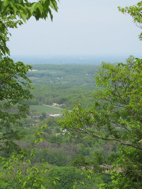 Approaching the Bennett Hil       overlook