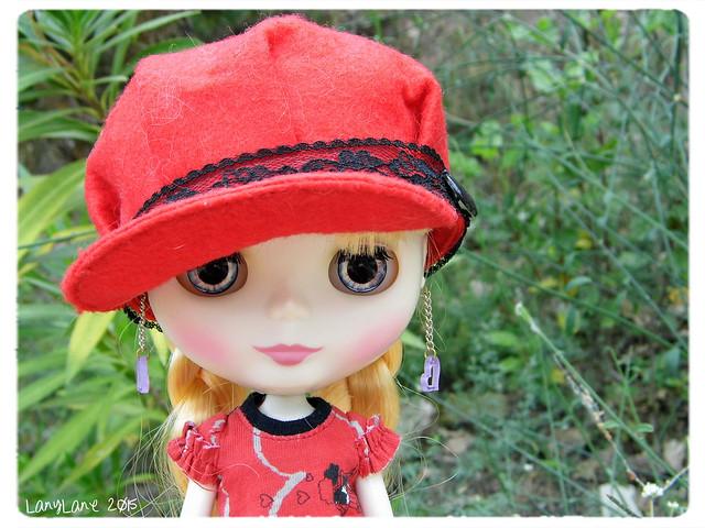Varvara, petit chaperon rouge