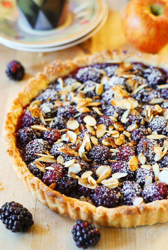 desserts with nuts, dessert with almonds, almond dessert, berry cake recipe