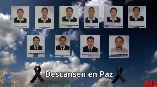 Homenajean compañeros a estudiantes  muertos;  centro SCT culpa a chofer de tráiler