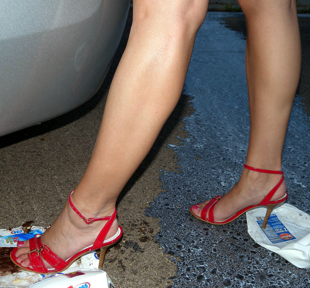 Sexy Tanned Legs  Red Steve Madden Strappy Sandals - Spec -3350