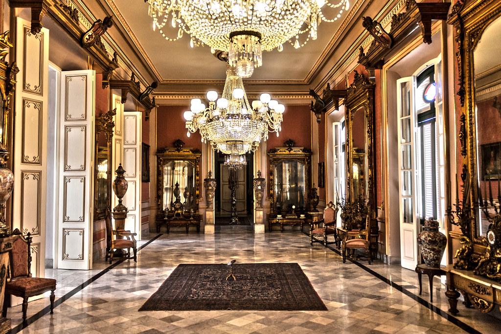 Sal n de los espejos in the palacio de los capitanes gener for Espejos salon
