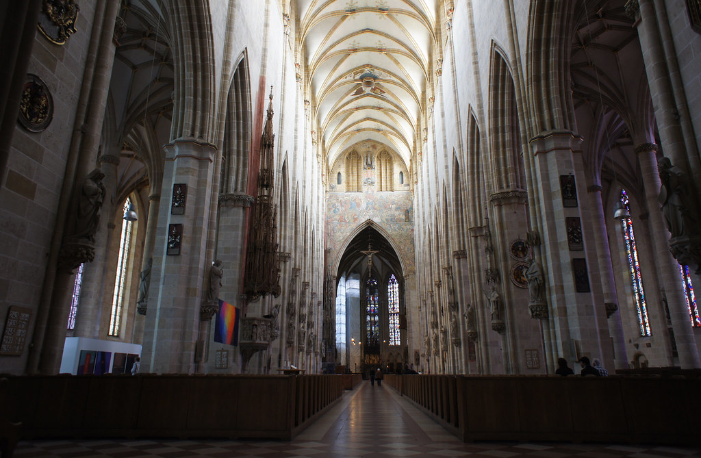 Ulm interior | Ulm Minster interior, view down the ...