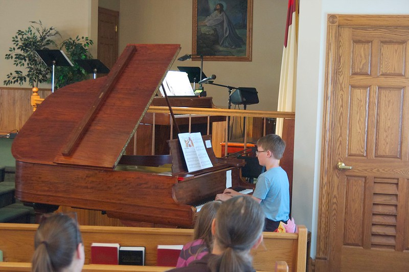 day 3956 - 122/365. odin's piano recital!