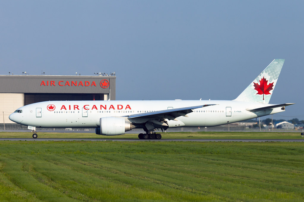 air canada boeing 777 200lr c fiua diverting to montreal. Black Bedroom Furniture Sets. Home Design Ideas