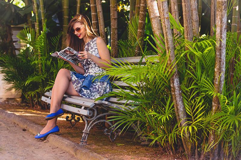 9-look do dia vestido florido com camisa jeans amarrada jana taffarel blog sempre glamour