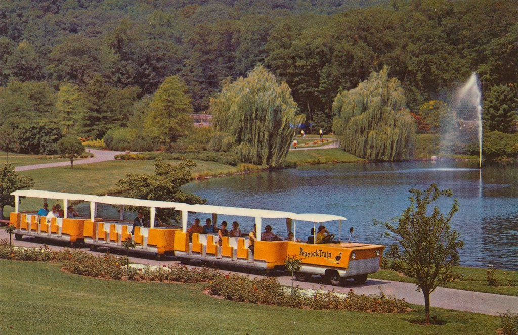 Peacock Train at Sterling Forest Gardens - Tuxedo, New Yor ...