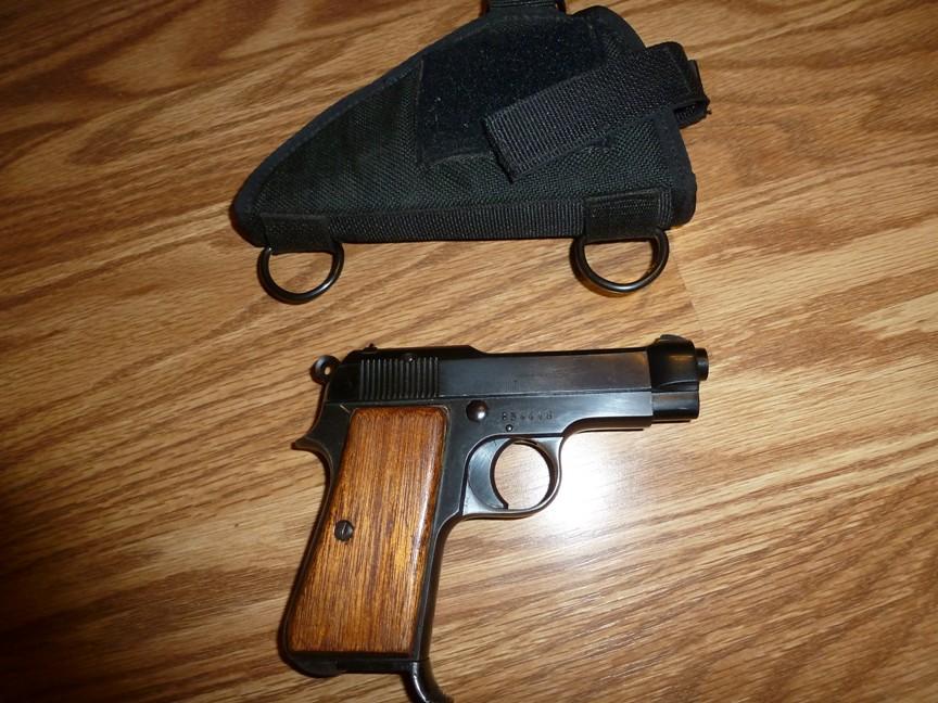 Pietro Beretta Cal 7.65 Gardone vt Cal 7.65 Pistol