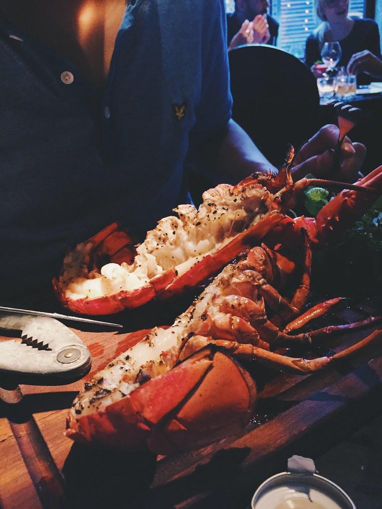 Lobster beach blanket babylon