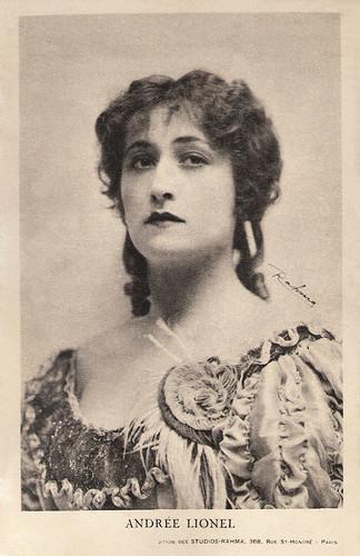 Andrée Lionel in Les Mystères de Paris (1922)