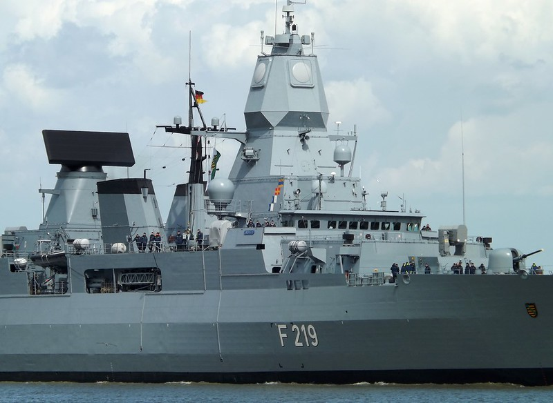 Weapons + Sensors on FGS Sachsen @ Gallions Reach 20-05-15
