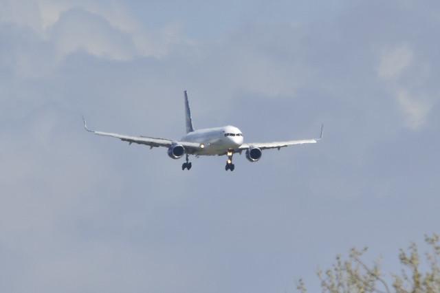 VQ-BCF B757 (Airtest)
