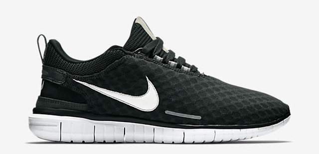 30 Sneakers You Wouldn't Expect to Be on Sale Right Now 9