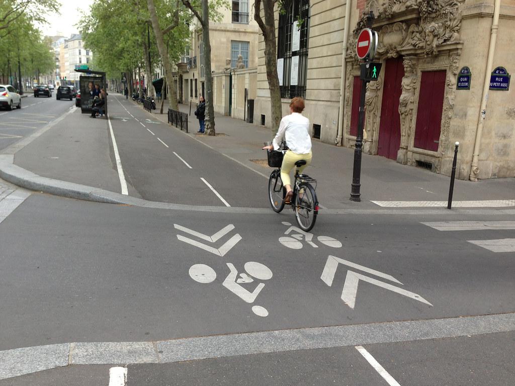 巴黎將增設更多單車道。圖片來源:andynash (CC BY-SA 2.0)。