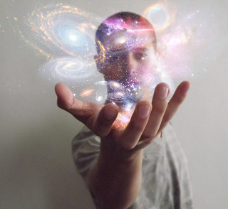 Universe in my hands | by Lauro Roger McAllister - www.lrmck.com