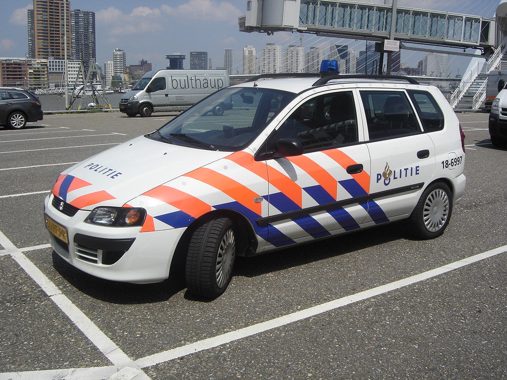 "2004 Mitsubishi Space Star ""Politie"" 