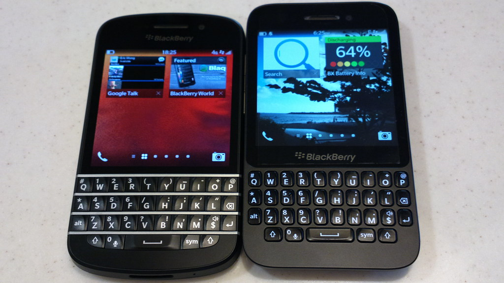 compare between blackberry q10 and q5 you