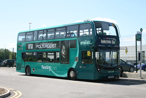 Reading Buses 760 on Route 6a, Reading Tesco Distribution Centre