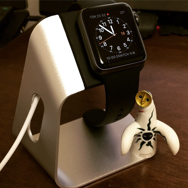 apple watch stand #Applewatch #stand #spigen
