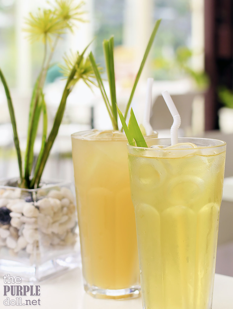 Lemongrass Juice (P85) and Pandan Juice (P85)