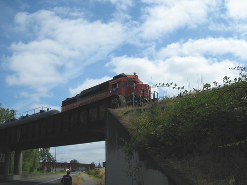 A GP30 switch er sits on the wye connecting the BNSF Portland-Seattle mainline to Rivergate Industrial Park