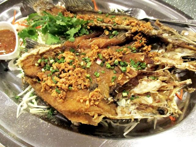 Flavours Thai Kitchen crispy fried garlic barramundi