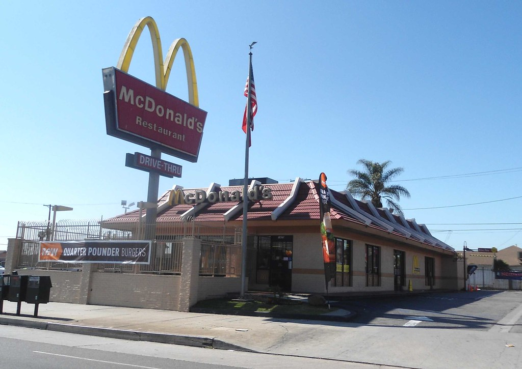 Mcdonald S Classic Mansard Roof From The 1970 S On Manches