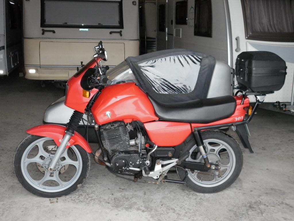 1996 mz etz 301 saxon tour with velorex sidecar jeremy. Black Bedroom Furniture Sets. Home Design Ideas