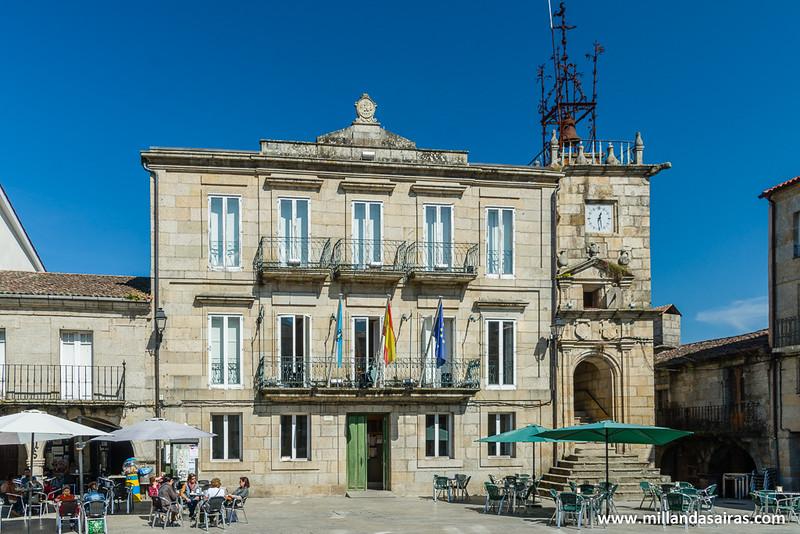 Ayuntamiento en la Plaza Mayor de Ribadavia