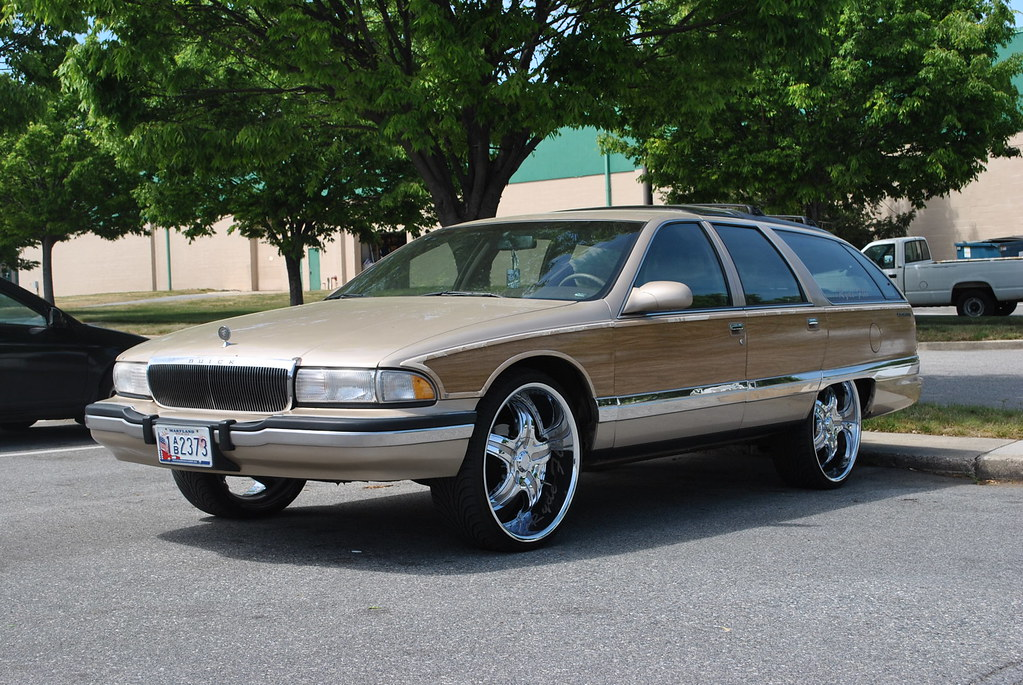 Buick Roadmaster Estate Wagon | Not sure how big the rims we… | Flickr
