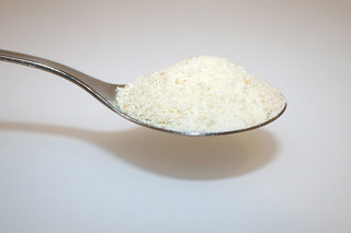 14 - Zutat Semmelbrösel / Ingredient breadcrumbs