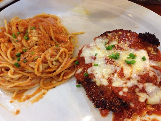 chicken parmigiana, Mad for Pizza SM Manila